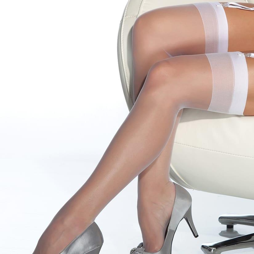 женские ножки в прозрачных чулках возрасте фото вам удалось